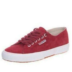 💕 EUC Superga red/burgundy velvet sneakers